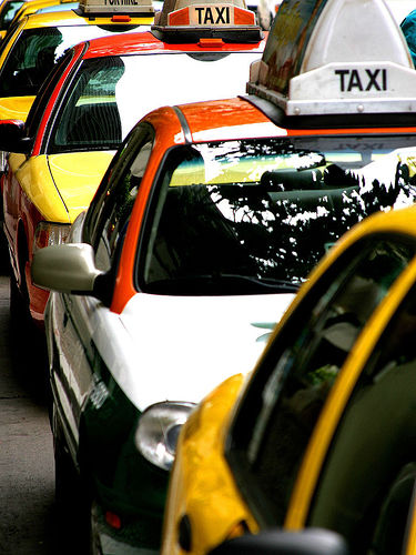 Taxi Cab Services in Lahore, Pakistan